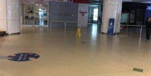 Korona virüs salgını tehlikesiyle Esenyurt'ta AVM kapandı