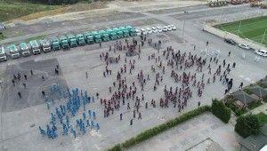 Cadde ve sokakları temizleyen temizlik ordusu havadan görüntülendi