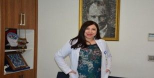 """Uzman Dr. Hatice Akça Karpuzoğlu: """"Korona virüsü en çok yaşlıları hedef alıyor"""""""