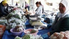 Marmaris semt pazarında elle temas yok
