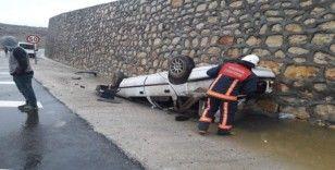 Kayganlaşan yol kazaya neden oldu: 3 yaralı
