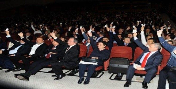 Galatasaray'da genel kurul toplantısı ertelendi