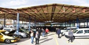 Manisa'da açık oto pazarının faaliyetlerine ara verildi