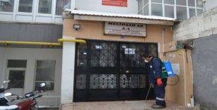 Bünyan Belediyesi apartmanları dezenfekte ediyor