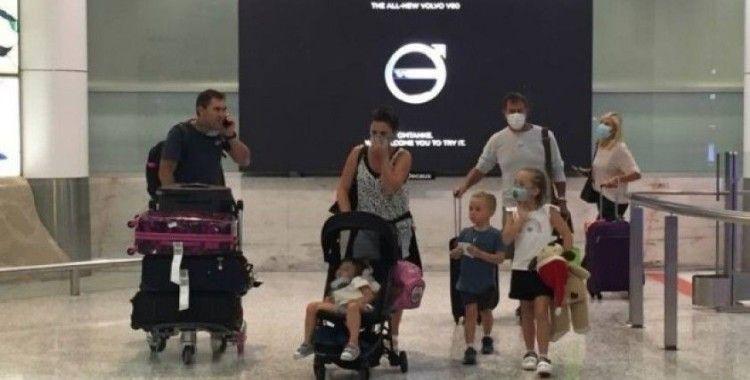 Avustralya yabancıların ülkeye girişlerini yasakladı