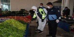 Semt pazarında korona virüs tedbirleri alındı