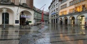Sokağa çıkma yasağı ilan edilen Münih hayalet şehre döndü