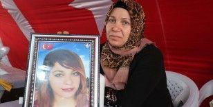 Diyarbakır annesi Aydan Arslan: 'Kızım beni görüyorsan, duyuyorsan gel, devletimize sığın'