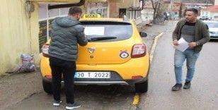 Şemdinlili taksicilerden sağlık personeline ücretsiz hizmet
