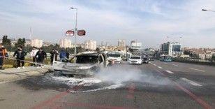 D-100 karayolunda araç alev alev yandı