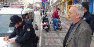 Polis ve zabıta sokaktaki yaşlılar için denetimini arttırdı