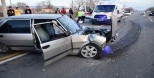 Aksaray'da iki otomobil çarpıştı: 1 yaralı