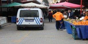 İzmir'de 65 yaş üstü vatandaşlara polis ve bekçiden uyarı