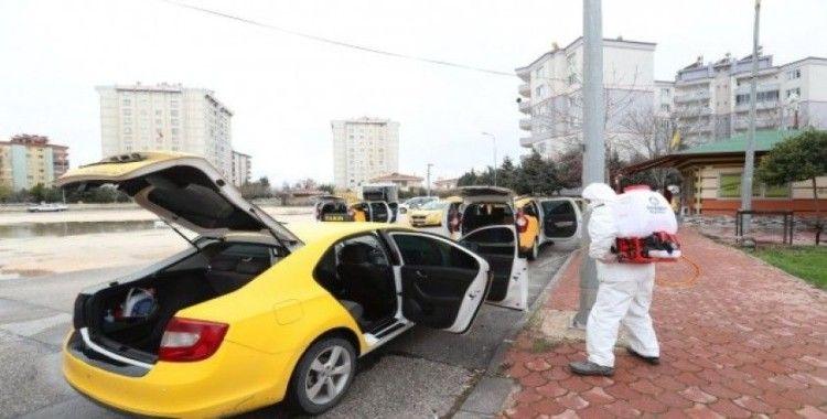 Şahinbey'deki taksiler ve taksi durakları dezenfekte edildi
