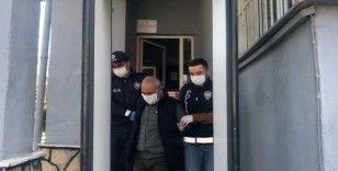 İstanbul'da yaşlı adamı kolonya uzatarak gasp eden şahıs serbest bırakıldı