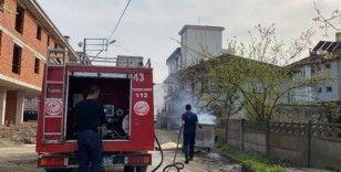 İtfaiye ekipleri çöp yangınını söndürdü