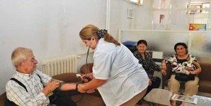 Türkiye'de risk grubundaki yaşlılar en çok hangi hastalıklardan hayatını kaybediyor?