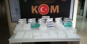 Van'da bin 500 adet gümrük kaçağı tıbbi maske ele geçirildi