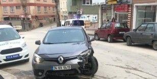 Bilecik'te trafik kazası, 4'ü hafif 5 kişi yaralandı