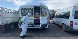 Çaldıran Belediyesi bine yakın aracı dezenfekte etti