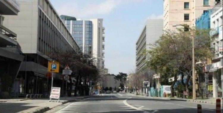 Güney Kıbrıs Rum Yönetimi sokağa çıkma yasağı ilan etti