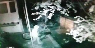 Hırsızlar çalamadan kaçtı