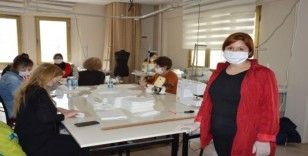 Şehzadeler Halk Eğitim Merkezi de maske üretimine başladı