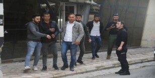 Cizre'de intihar girişiminde bulunan genci polis ikna etti