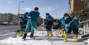 Kocasinan'da 130 personel ile mahalleler dezenfekte ediliyor
