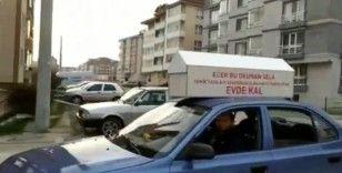 Bolu'da, aracına bağladığı tabutla 'evde kal' çağrısı yaptı