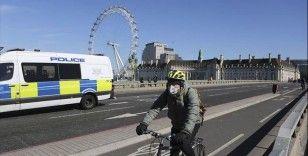 İngiltere'de kısmi sokağa çıkma yasağı ilan edildi