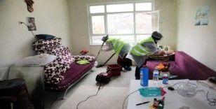 Elazığ'da yaşlı ve engellilerin evlerine temizlik hizmeti