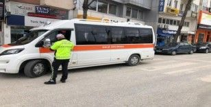 Polis ekiplerinden otobüslere Korona virüs denetimi