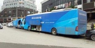 Personelinde korona virüs şüphesi olan banka; şubesi, mobil şubeden hizmet veriyor