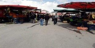 Develi'de pazarcılar da hijyene dikkat ediyor