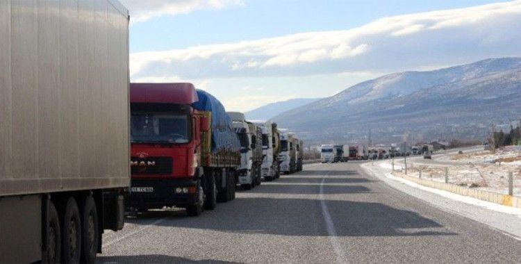 Bulgaristan, 60 ülkeden Türkiye'ye transit tır geçişini yasakladı