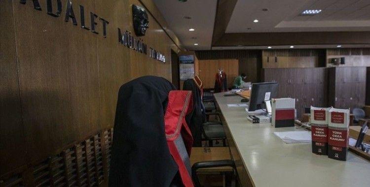 Hukukçulardan yaşlılara olumsuz davranışlarda bulunanlara 'ceza' hatırlatması