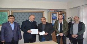 Gençlik platformu dezenfekte çalışmaları için belediyeye bağışta bulundu