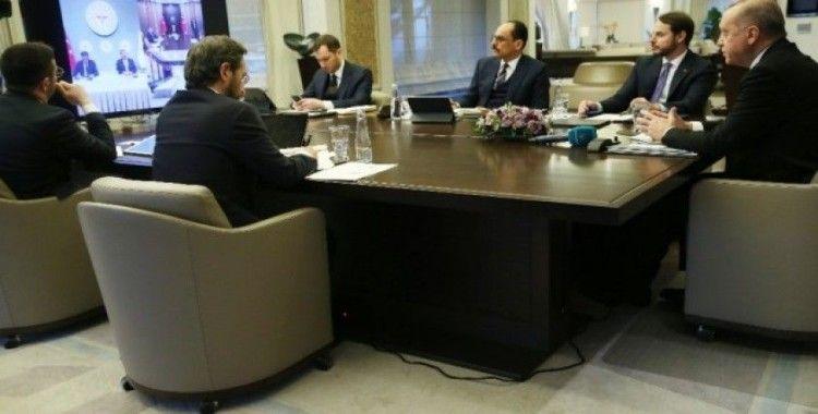 Cumhurbaşkanı Erdoğan, Bilim Kurulu üyeleriyle telekonferansla görüştü
