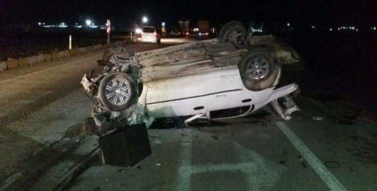 Kamyona çarpan otomobil takla attı: 2 yaralı