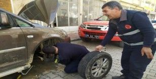Karaman'da itfaiyeden kedi kurtarma operasyonu