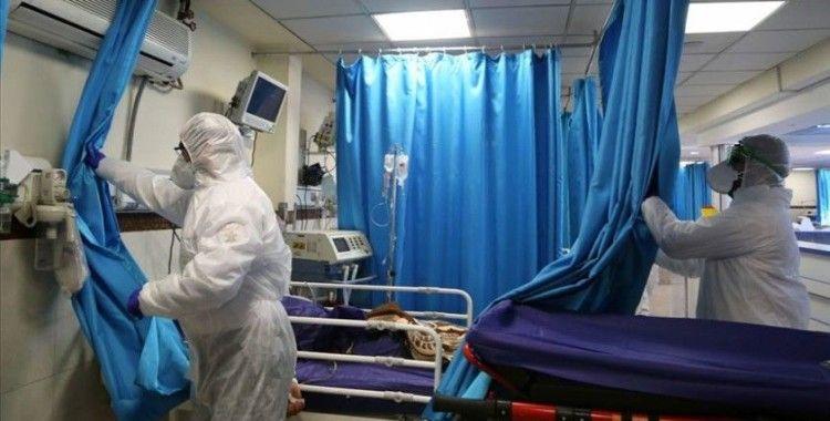 İran'da koronavirüsü yenen 90 yaşındaki kadın taburcu edildi