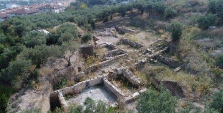 Antik kentin kalıntılarına saldırı