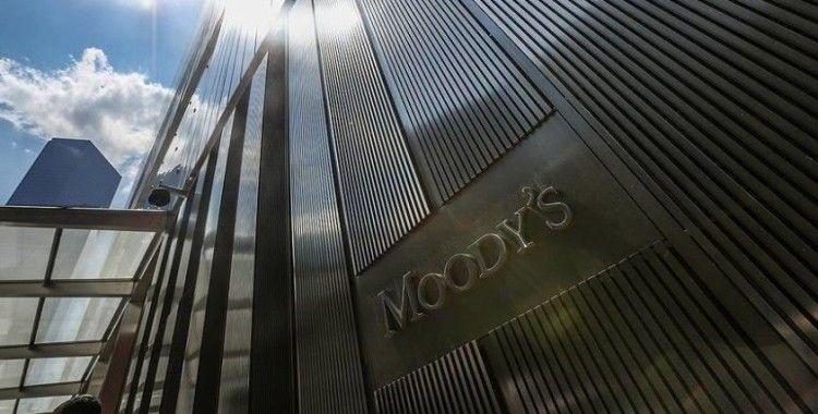 Moody's Kovid-19 nedeniyle küresel büyüme tahminini düşürdü