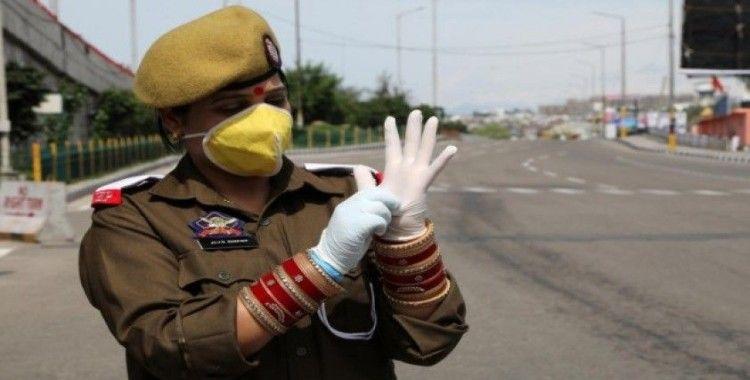 Hindistan'da koronavirüse karşı 22 milyar dolarlık yardım paketi