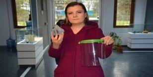 İzmit Belediyesi sağlık çalışanları için siper maske üretiyor