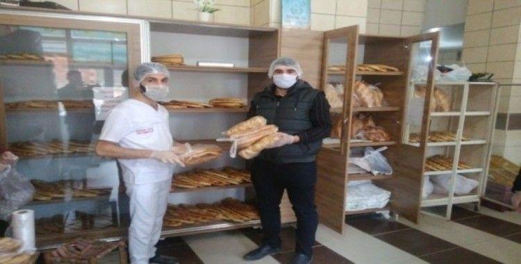 Muhtardan 'evde kal, ekmeğin bizden' kampanyası