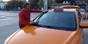 Taksicileri 'korona virüs' vurdu