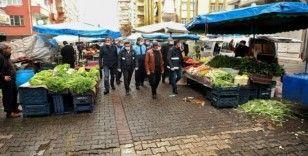 Büyükşehir Belediyesi semt pazarlarını denetledi
