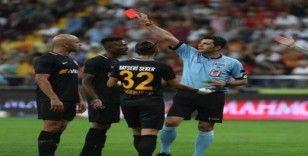 Kayserispor 62 sarı 6 kırmızı kart gördü